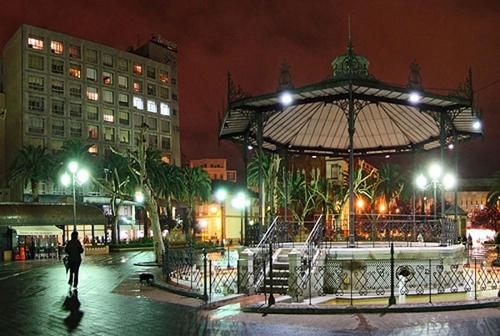 spain-badajoz-plaza-s-francisco-ft-vaikus.jpg