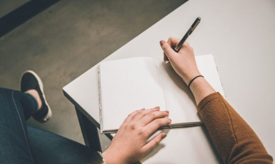 como-empezar-a-escribir-una-novela-1024x611